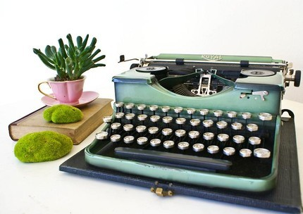 Typewriter Green Royal